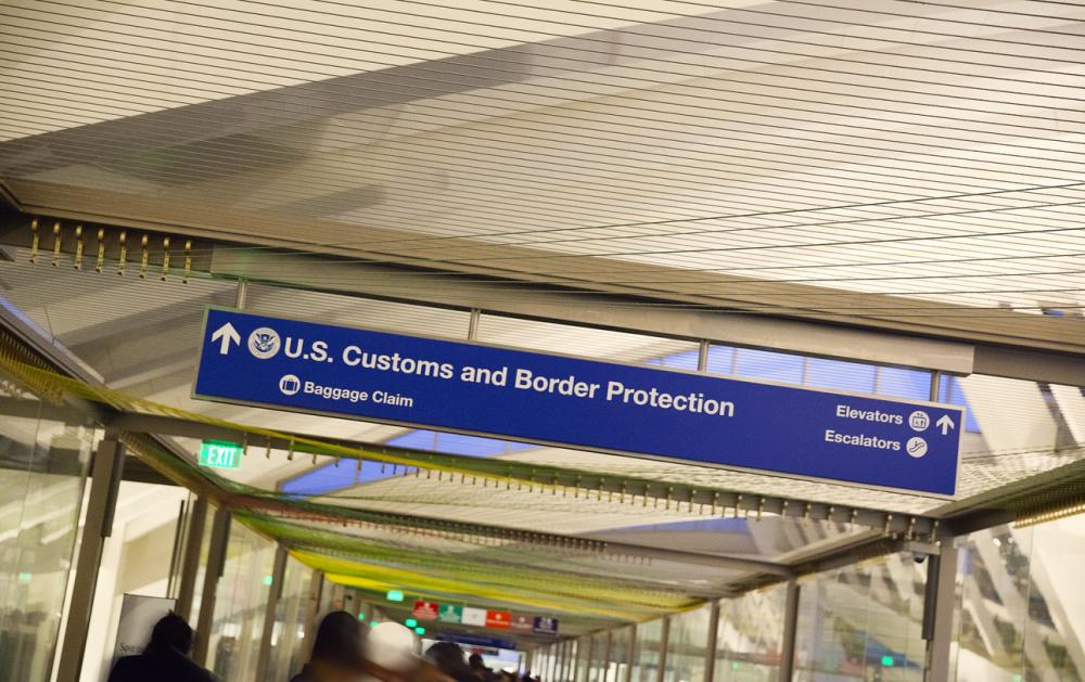 customs and baggage claim sign